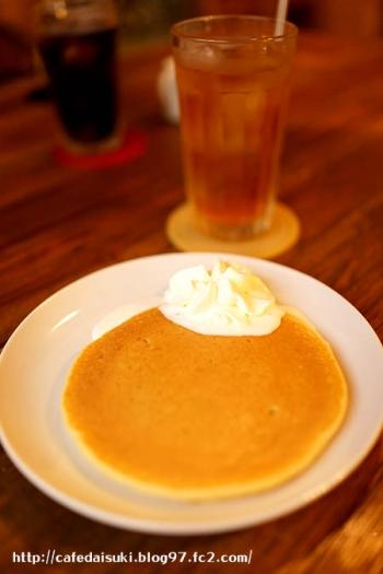 iriya plus cafe◇ホイップクリームパンケーキ