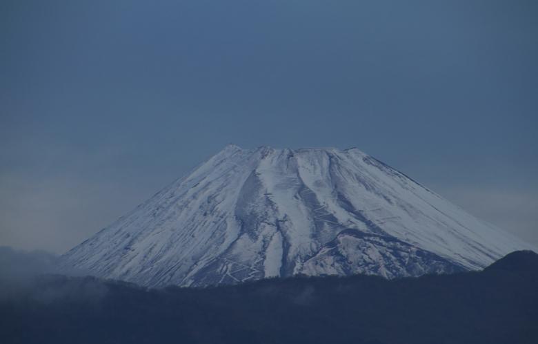 27日 6ー33 今朝の富士山