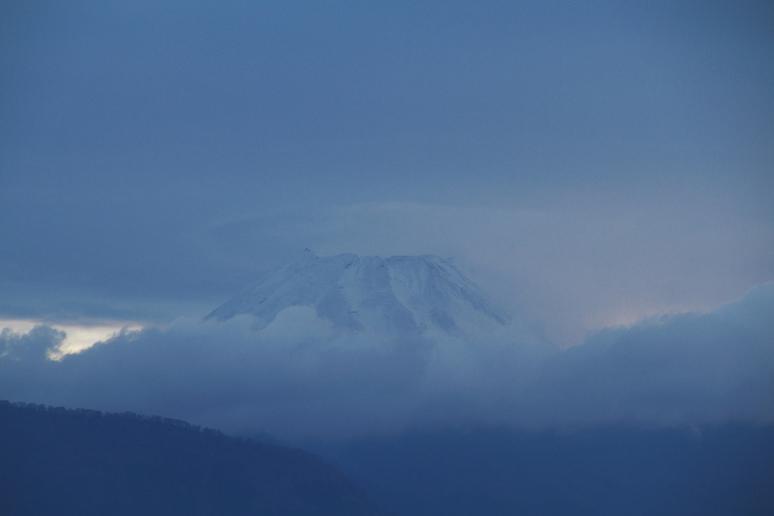 28日 6ー44 今朝の富士山