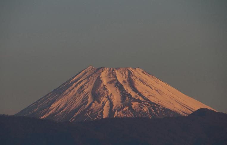 4日 6ー52 今朝の富士山-1