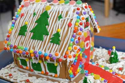 GingerBreadHouse12-2.jpg