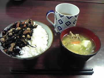 120531豚汁・ひじき_convert_20120602113222