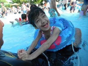 プールにて 2012年夏