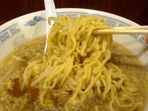 しま・背油らーめん 麺