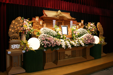 ピンクと黄色の花祭壇0989