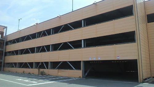 山梨や関東で立体駐車場など大型施設の解体専門