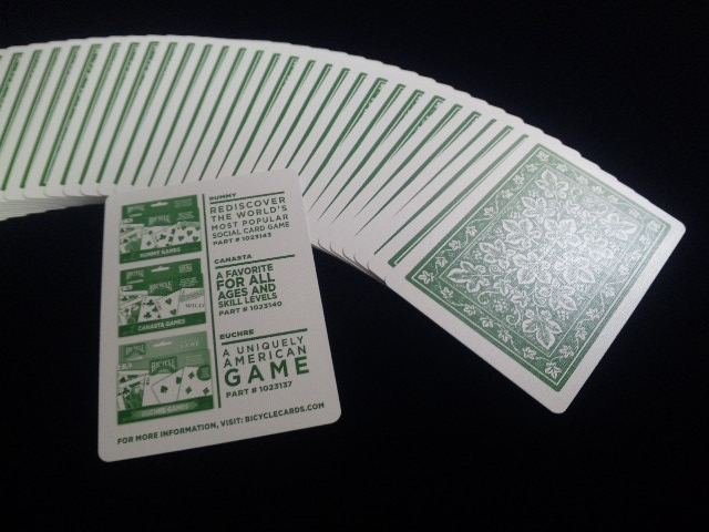 Leaf Back holiday Playing Cards Green (BICYCLE) (3)
