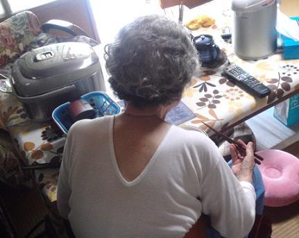 ばあちゃんのVネック