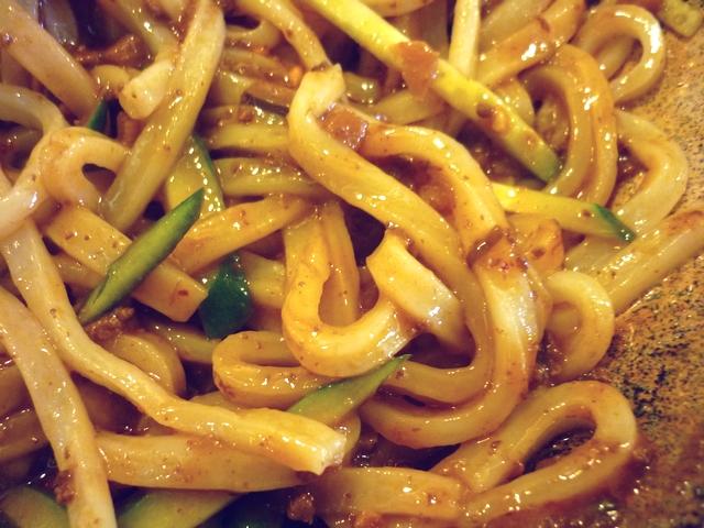 混ぜた炸醤麺
