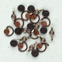 036051 [Prima] Junkyard Findings Metal Trinkets (Handles Turns 18ピース)500円