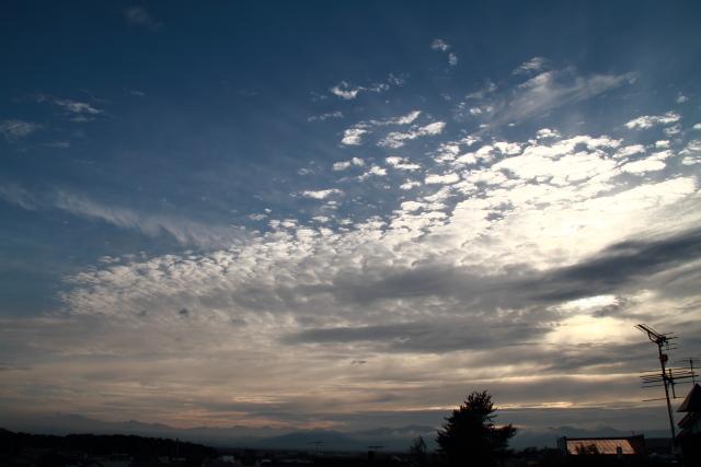 032.雲の合間にJPG