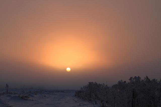 109ベールのかかった朝陽