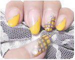 ネイル 黄色に紫のチェック