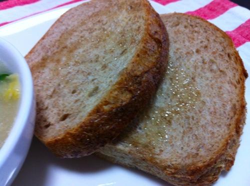 3えごま油とパン