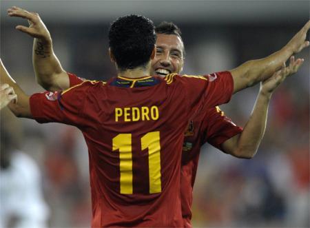 Pedro_Cazorla_celebran_gol_primero_convert_20120908103623.jpg