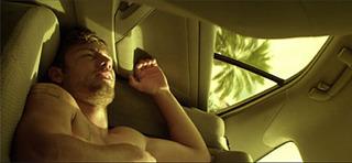 """ソダーバーグ監督 『マジック・マイク』 黄色い色調の""""昼の世界"""""""