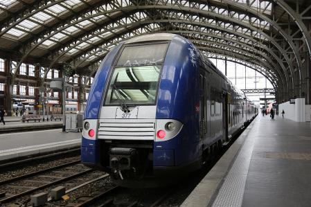 パリ国鉄SNCFの列車
