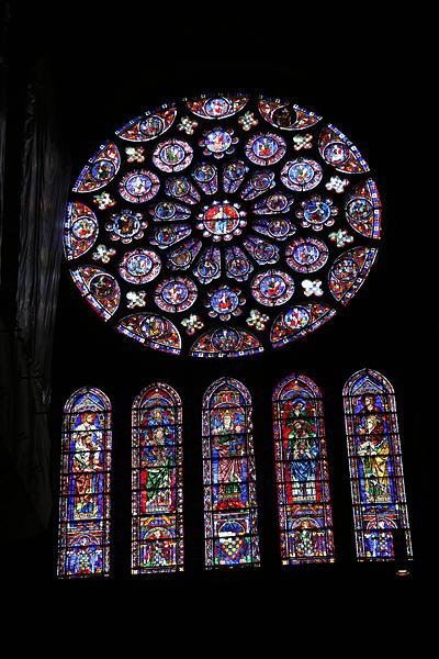 シャルトル ノートルダム大聖堂のステンドグラス