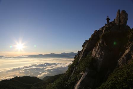 頂上の岩場