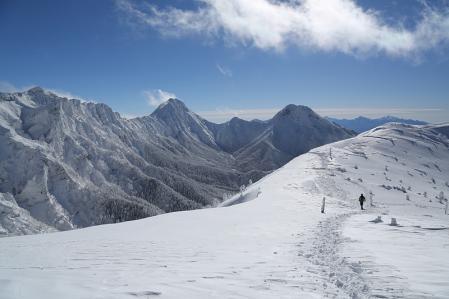硫黄岳への登りから赤岩を振り返る