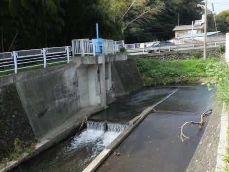 八瀬川の頭首工・八瀬川取水ゲート