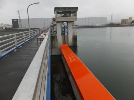 飯泉取水堰・洪水吐ローラーゲート