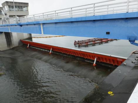 泉取水堰・洪水吐フラップゲート