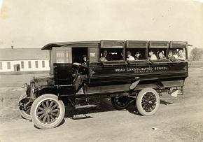 最初期のスクールバス