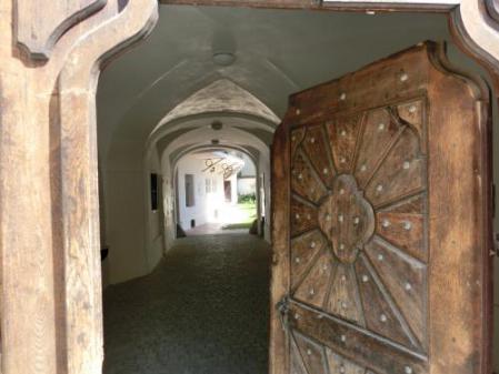 アネシュカ修道院内部?