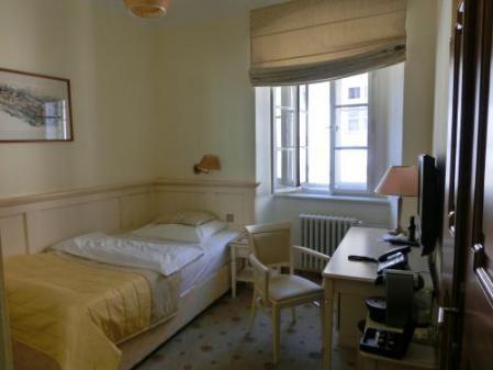 ホテル部屋小