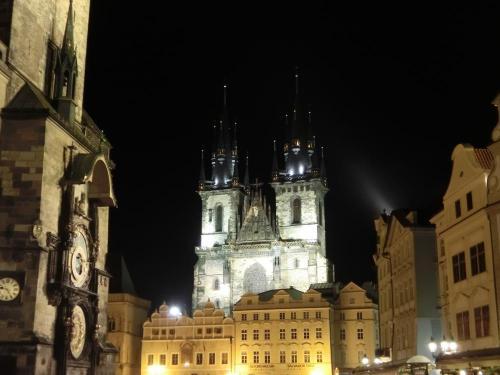 ティーン教会&旧市庁舎夜景
