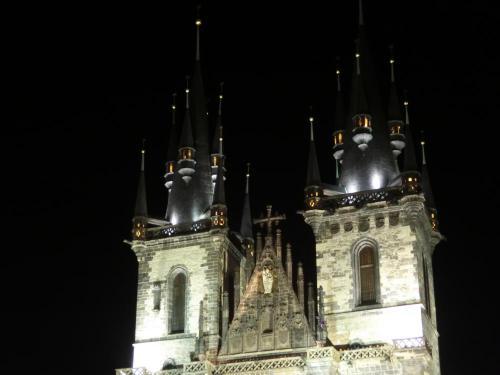 ティーン教会夜景