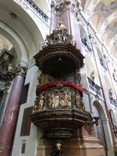 聖ヤクプ教会説教台
