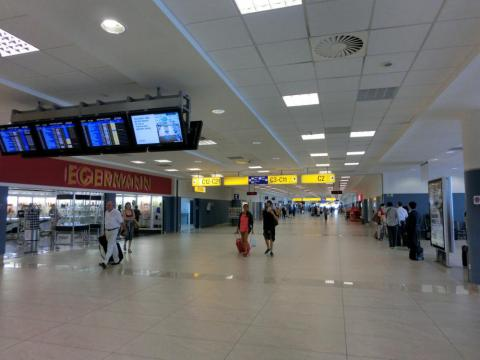 プラハ空港搭乗ゲート前