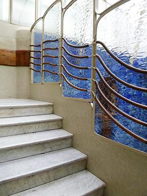 階段もかわいらしい