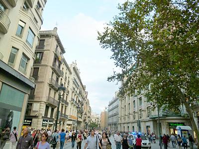 歩行者天国のバルセロナゴシック地区