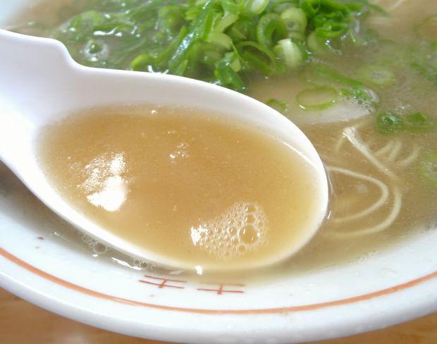 『安全食堂』ラーメン(スープ)