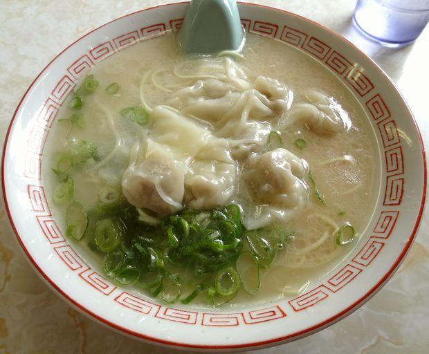 『一九ラーメン 老司本店』ワンタン麺(600円)