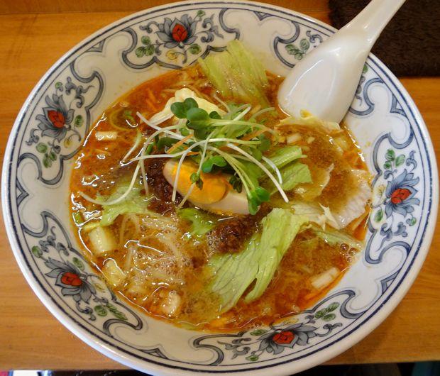 『中華屋台 潤』担々麺(700円)