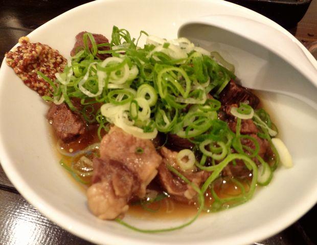 『酒飯処 はぬけ』和牛タン煮込み(680円)