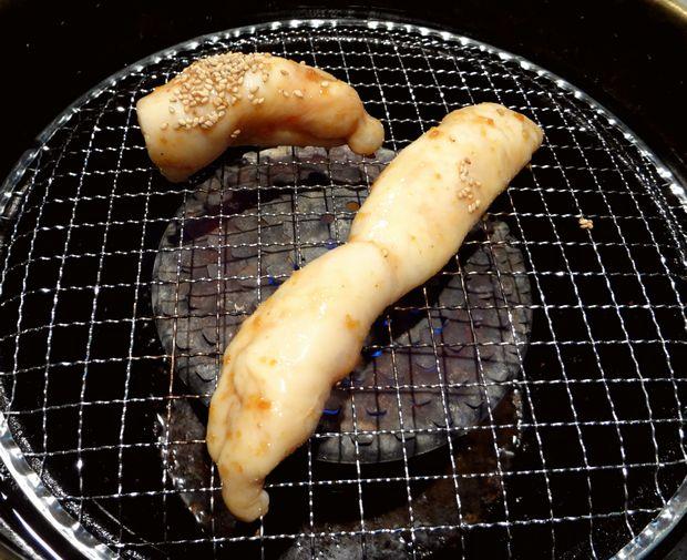 『やきにく道場』丸腸一本漬け(980円)