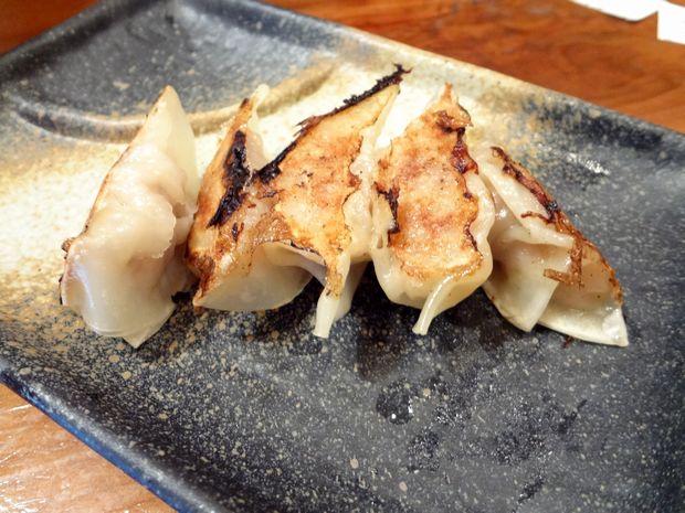 『らぁめん シフク』「塩らぁめん、餃子定食(680円)」の、餃子