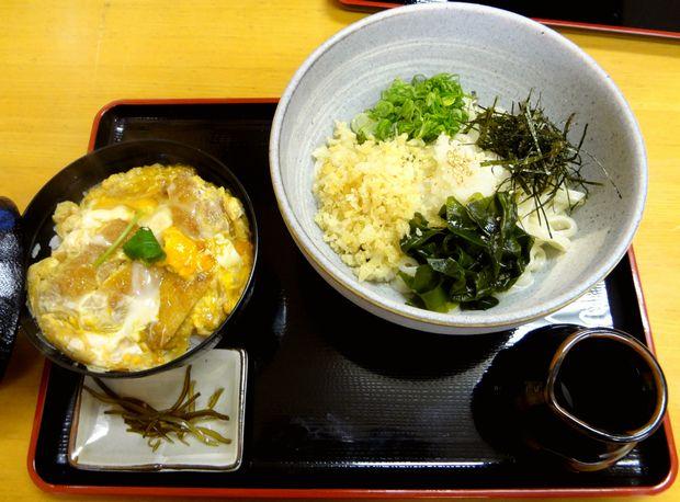 『麺や よし田』ミニカツ丼(600円)+おろしぶっかけうどん(冷・600円)