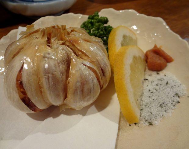 『旬魚酒房 かぶきもん』ニンニク丸揚(480円)