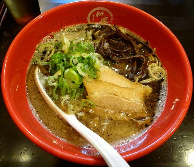 『博多新風 博多デイトス店』新風麺(650円)