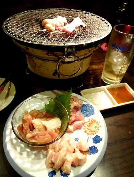 『つまみ菜 西新店』炭火焼三種盛と七輪