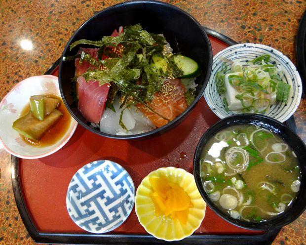 『居酒屋 風味処 味工房』海鮮丼定食(787円)