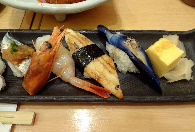 『ひょうたん寿司』旬のおまかせにぎりセット(握り寿司の一部・その2)