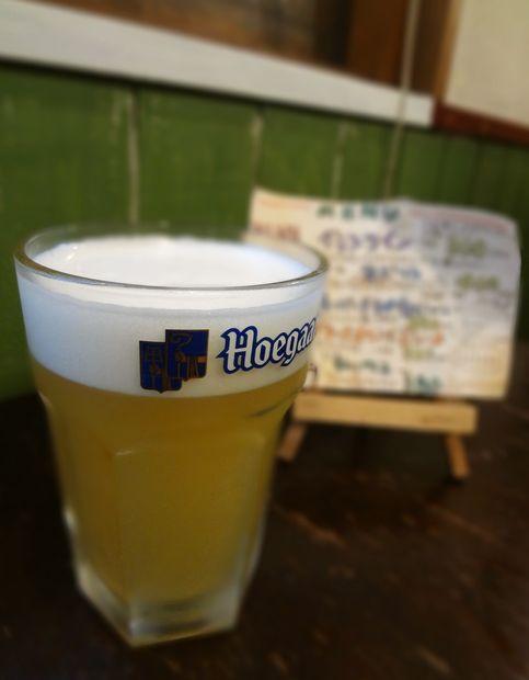 『大取酒店』生ビール(ヒューガルデンホワイト)400円