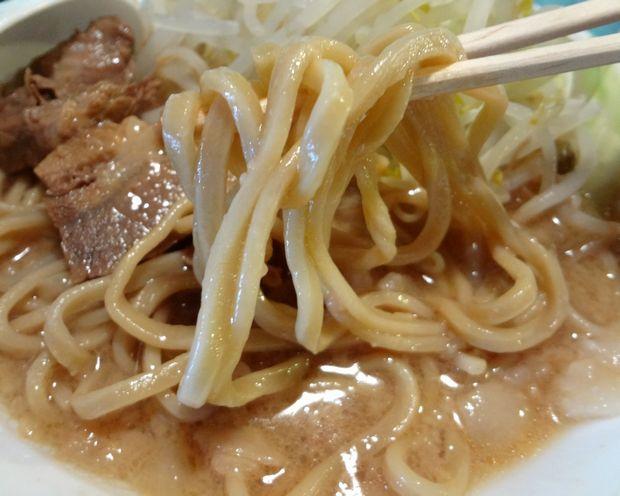 『島系本店 舞鶴店』ラーメン普通・極太麺(麺リフト)
